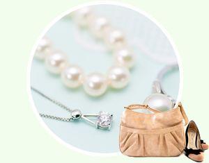 バッグやネックレス等の装飾品